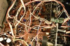 Elektroniskt bräde med chiper Arkivfoton