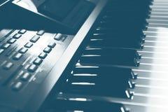 Elektroniskt musikinstrument royaltyfri bild
