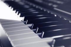 Elektroniskt musikinstrument royaltyfria foton