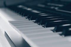 Elektroniskt musikinstrument arkivbilder