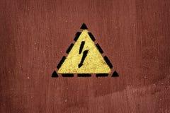 Elektroschockzeichen gemalt auf Tür Lizenzfreie Stockfotografie