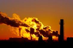 Elektrowni smokestacks Fotografia Stock