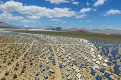 Elektrownia na słonecznych bateriach Źródło alternatywne energia jest panel słoneczny fotografia stock