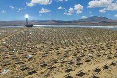 Elektrownia na słonecznych bateriach Źródło alternatywne energia jest panel słoneczny zdjęcia stock