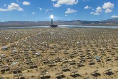 Elektrownia na słonecznych bateriach Źródło alternatywne energia jest panel słoneczny zdjęcie stock