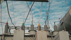 Elektrownia na tle nieba zakończenie zbiory