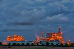 Elektrownia na zmierzchu niebie obrazy stock