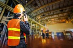Elektrownia rządzi inżyniera Obraz Royalty Free