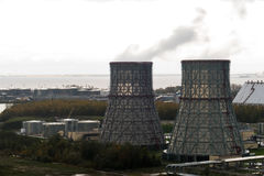 Elektrownia z dwa wielkimi drymbami Zdjęcia Royalty Free