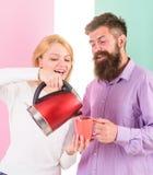 Elektryczna czajników czyraków woda bardzo szybko Nowożytni przyrząda robią nasz życiu łatwy Przygotowywa ulubionego napój w minu fotografia royalty free