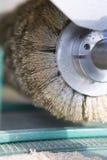 Elektryczna ostrzarz maszyna Drewniana Fabryka Drewniani golenia, Mleje Obrazy Royalty Free