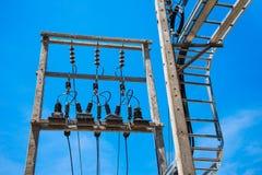Elektryczna poczta drogą z linią energetyczną depeszuje Obrazy Royalty Free