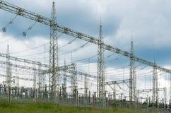 Elektryczna podstacja dla ciężkiego prądu z opornikami Zdjęcia Stock