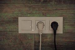 Elektryczna prymka na drewnianej ścianie Fotografia Stock