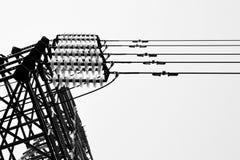 elektryczne linie zasilają pilony Obrazy Stock
