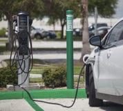 Elektrycznego samochodu ładuje stacja Fotografia Stock