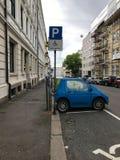 Elektrycznego samochodu ładuje stacja w Oslo Fotografia Royalty Free