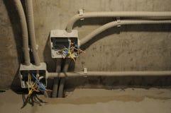 Elektryczni kable, podłączeniowi pudełka fotografia stock