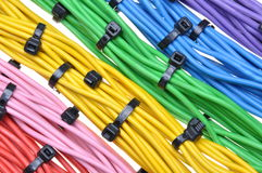 Elektryczni kolorów kable z kablowymi krawatami Zdjęcie Royalty Free