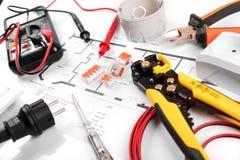 Elektryczni narzędzia i wyposażenie na domowym obwodu diagramie fotografia royalty free