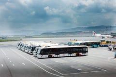 Elektryczni pojazdy w Lotniskowym Terminal Obraz Royalty Free
