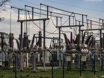 Elektryczni transformatory linie kolejowe zdjęcie royalty free