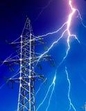 Elektryczność Energetyczny pilon z błyskawicą Zdjęcia Stock
