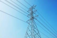 Elektryczność i bluesky Zdjęcie Stock