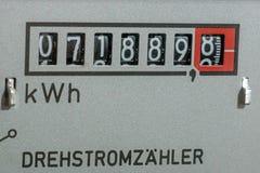 Elektryczność metr mierzy prąd obraz stock