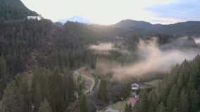 Elektryczność przekazu wierza w górach zdjęcie wideo