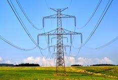 Elektryczność słupy Zdjęcie Royalty Free