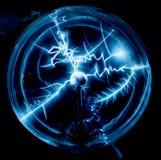 Elektryczność w osocze piłce Obraz Royalty Free