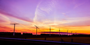 Elektryczność wiatrowi młyny Obrazy Stock