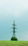 Elektryczności wierza i władza druty Fotografia Royalty Free