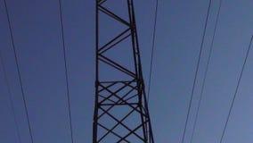 Elektryczności wierza wolny zoom od za pilonie zbiory wideo