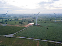 elektryczności wywołujący turbina wiatr oszczędzania energii concep Fotografia Royalty Free
