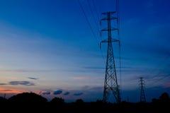 elektryczności pilonu zmierzch obrazy royalty free