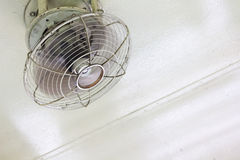 Elektryczny fan Pod sufitem Zdjęcie Stock