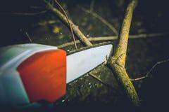 Elektryczny Ogrodowy Drewniany krajacz Fotografia Royalty Free