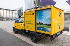 Elektryczny poczta doręczeniowy pojazd Obraz Royalty Free