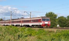 elektryczny podmiejski pociąg zdjęcie stock