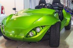 Elektryczny pojazd na Związanym samochodzie 2016 Zdjęcia Royalty Free