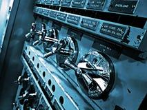 Elektryczny przełącznikowy deskowy pokój na pokładzie militarny statek Zdjęcia Stock