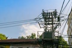 Elektryczny słup z jeden transformatory Obrazy Stock