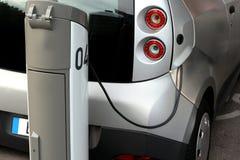 Elektryczny samochód Zdjęcia Royalty Free