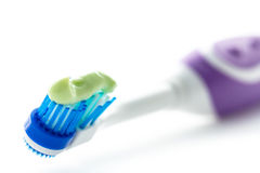 Elektryczny toothbrush z pasta do zębów Obraz Stock