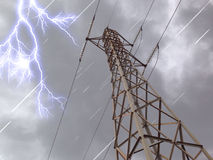 Elektryczny wierza w chmura ciemnym dniu zdjęcia stock