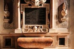 Element der Innenausstattung der katholischen Kathedrale in Verona lizenzfreie stockbilder