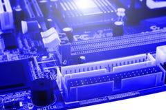 Element på chip av northbridge av makroen för datormoderkortslut arkivbilder