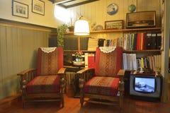 Elemente der Innenarchitektur des iving Raumes vom Hausboot-Museum in Amsterdam Stockfotos